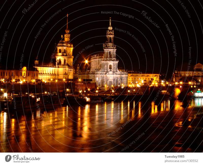 Nachts(ch)icht Wasser schön Zeit Dresden Nacht historisch Elbe