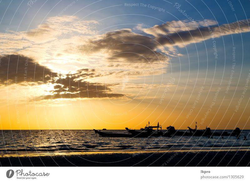 Asien in der Bucht von Kho Tao Himmel Natur Ferien & Urlaub & Reisen Sommer Erholung Landschaft Wolken Strand gelb Küste Freiheit Stein Felsen Tourismus Wellen