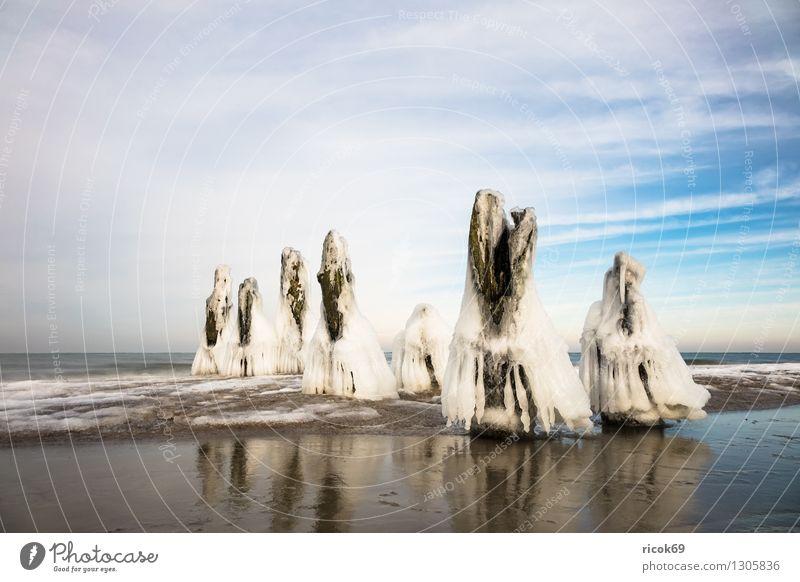 Winter an der Ostseeküste Natur Ferien & Urlaub & Reisen blau Wasser weiß Erholung Meer Landschaft Wolken Strand kalt Küste Holz Idylle Romantik
