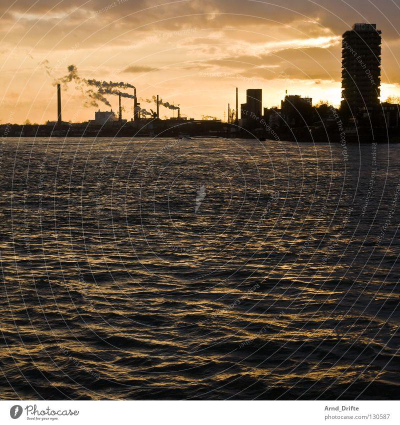 Vatter Rhein Wasser Himmel blau Stadt schwarz Wärme Wasserfahrzeug orange Wellen Umwelt Hochhaus hoch Industrie Fluss Romantik Niveau