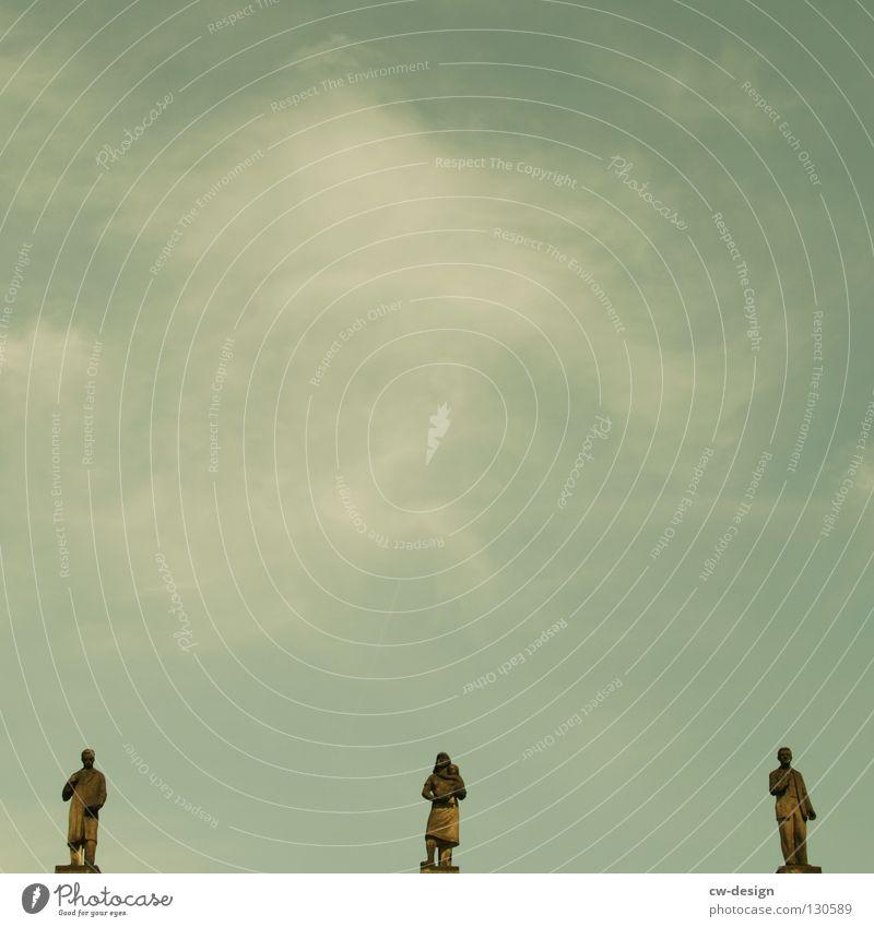 LA FREAK BOUTIQUE grau Wahrzeichen Kreisverkehr Wolken Blendeneffekt Siegessäule Deutschland Froschperspektive Gegenlicht Denkmal Ferien & Urlaub & Reisen Kunst