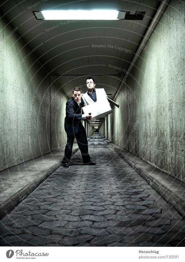 Abschleppdienst weiß Freude schwarz grau Wege & Pfade Freundschaft verrückt Papier Vertrauen Hose Anzug Tunnel Jacke Hemd Karton