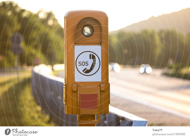 Safe Our Souls (Autbahn Version) Verkehr Verkehrsmittel Verkehrswege Straßenverkehr Autofahren Autobahn gelb Angst Entsetzen Todesangst Zukunftsangst gefährlich