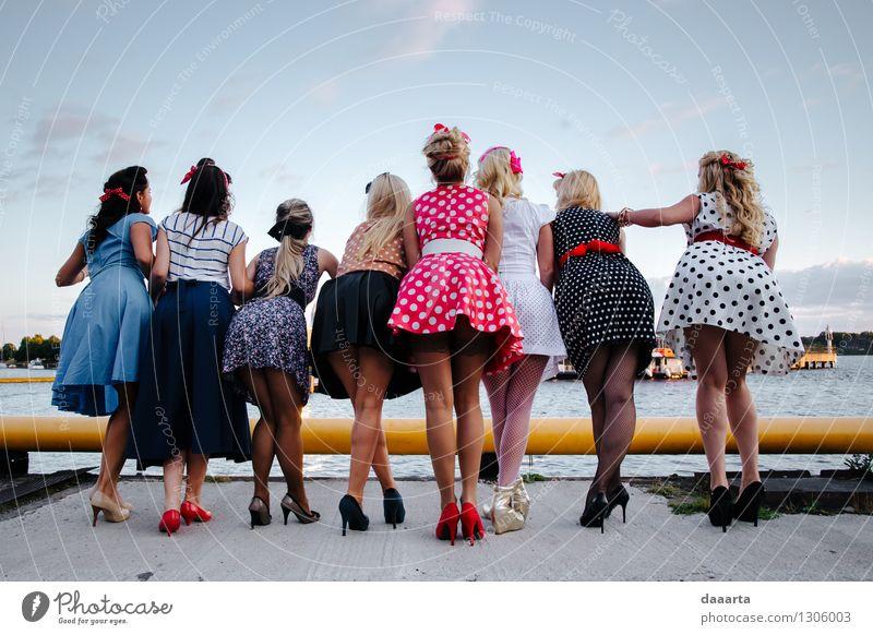 Mädelsabend schön Sommer Freude Wärme Leben Gefühle feminin Stil Spielen Feste & Feiern Freiheit Lifestyle Stimmung wild Freizeit & Hobby elegant