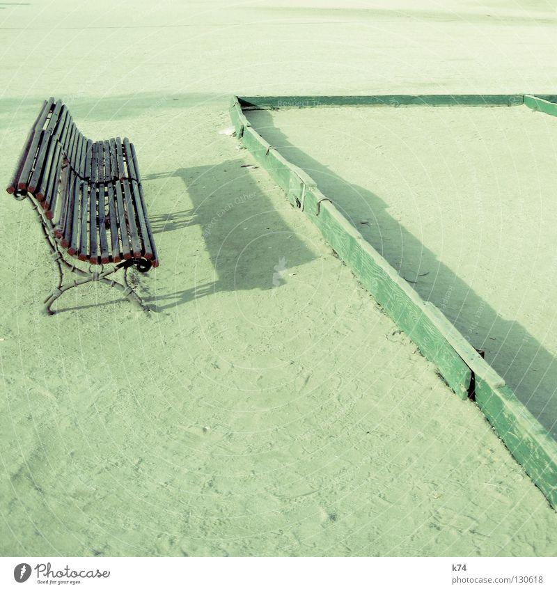 Bouleplatz Holz Spielen offen Platz Park grün Geometrie Verkehrswege Bank Sand Landschaft Aktien Schatten Spitze Ecke