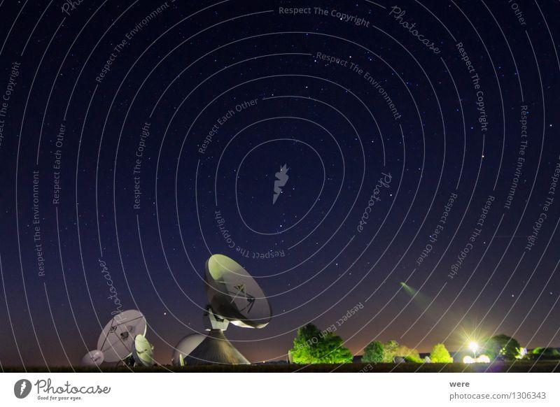 Lauschposten beobachten hören Spiegel Wissenschaften Strahlung Bayern Nachthimmel Antenne Astronaut Galaxie Sternschnuppe Astronomie Naturwunder Sternbild Beruf