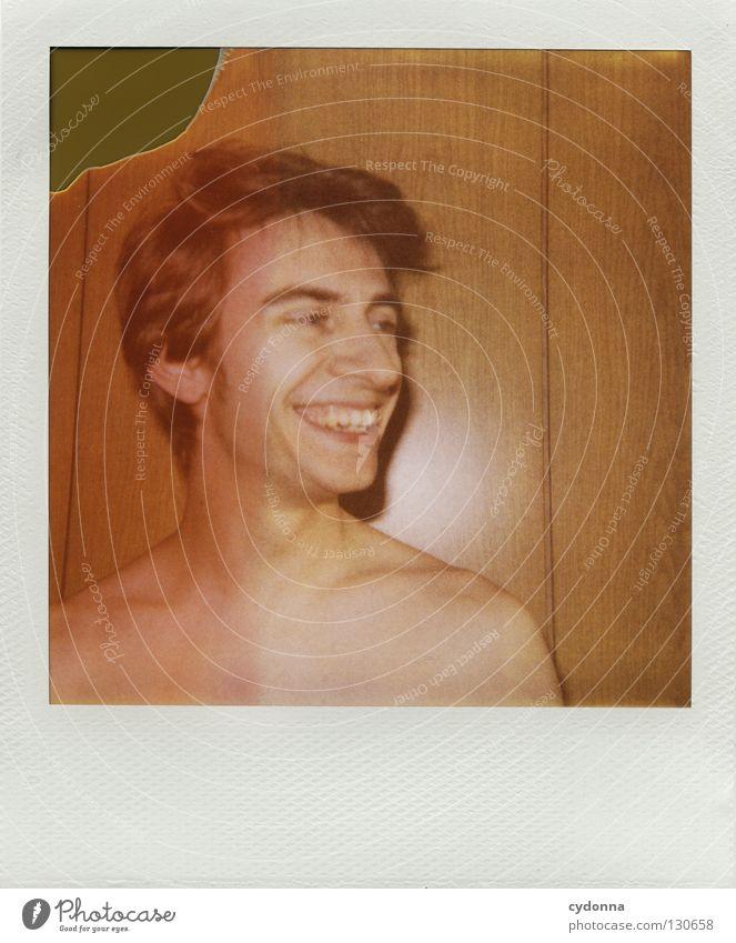 Bitte recht freundlich! Mann Freude Leben Farbe Gefühle Kopf lachen warten Fotografie Geschwindigkeit Perspektive retro Technik & Technologie analog Wohnzimmer Kontrolle