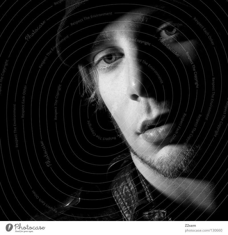 ich Mensch Mann Gesicht dunkel Kopf Stil Mund glänzend Nase maskulin weich Mütze Seite Leder Selbstportrait stur