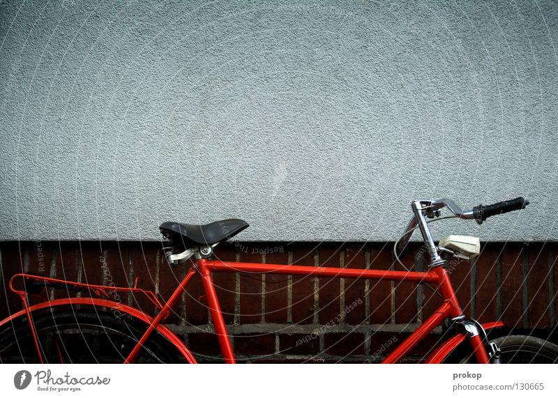 El Toro Ferien & Urlaub & Reisen alt rot Freude Wand Mauer Verkehr Fahrrad warten Coolness fahren Rost schick Siebziger Jahre Ankunft Fahrradlenker
