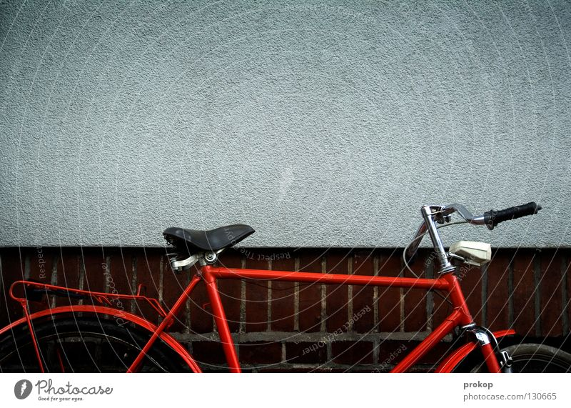 El Toro Siebziger Jahre Mauer Wand fahren Ferien & Urlaub & Reisen rot schick Ankunft Verkehr Freude Fahrrad alt stylish Fahrradlenker Fahrradsattel Coolness