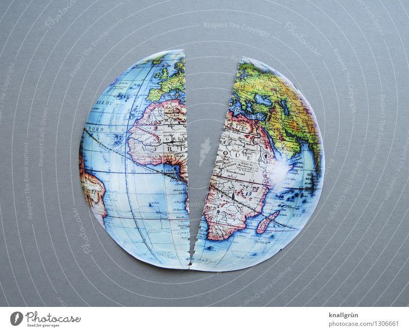 Auf der Kippe Gefühle grau Stimmung Erde Angst gefährlich Zukunft bedrohlich kaputt Zukunftsangst Riss Sorge Globus Zerstörung Krise Endzeitstimmung