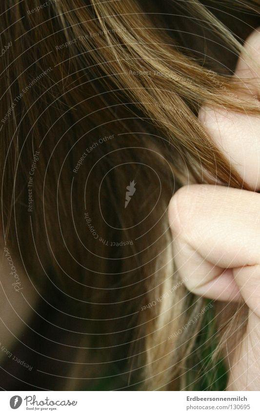 Die Volle Haarpracht Hand Haarwaschmittel Mädchen blond Haarsträhne Wut Ärger Haare & Frisuren ziehen Spliss Friseur Hass Haarspliss
