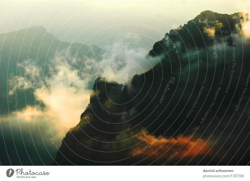 wie wird das Wetter morgen ? (Teil1) Himmel Sonne blau rot Wolken gelb Farbe kalt Berge u. Gebirge Luft wandern Nebel Hintergrundbild Wetter Freizeit & Hobby Klima