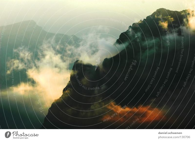 wie wird das Wetter morgen ? (Teil1) Himmel Sonne blau rot Wolken gelb Farbe kalt Berge u. Gebirge Luft wandern Nebel Hintergrundbild Freizeit & Hobby Klima