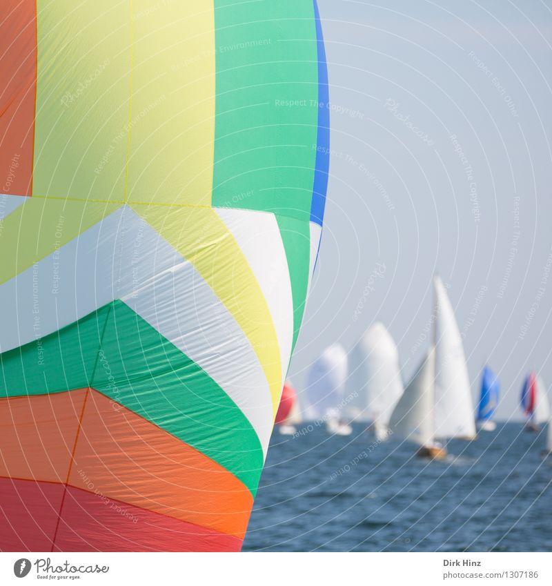 Bunte Ostseeblase II Ferien & Urlaub & Reisen blau grün Sommer Wasser Sonne Meer Ferne gelb Bewegung Freiheit Horizont orange Tourismus Wellen frei