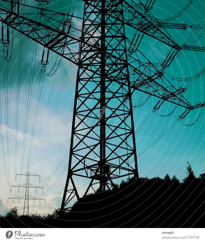 Strommasten Himmel Wolken Energiewirtschaft Elektrizität Technik & Technologie Kabel Bauwerk Verkehrswege Konstruktion Draht Leitung industriell