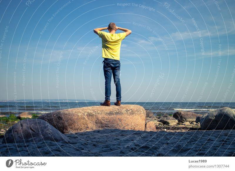 Entdecker Mensch Ferien & Urlaub & Reisen Jugendliche Mann Sommer Sonne Erholung Meer Junger Mann Ferne Strand 18-30 Jahre Erwachsene Gefühle Freiheit maskulin