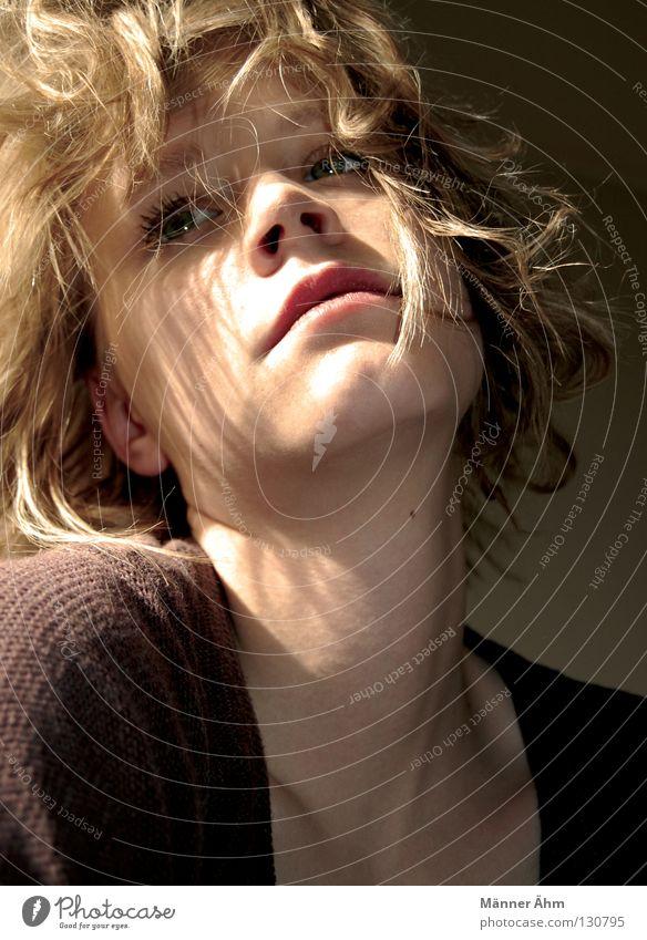 Sonnenstrahl Frau schön Sonne Gesicht Haare & Frisuren blond Bekleidung Locken Himmelskörper & Weltall