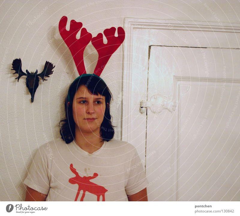 geweiht Frau Mensch Jugendliche rot Tier feminin Wand Erwachsene Wohnung Tür Bekleidung verrückt T-Shirt stehen Karneval Kunststoff