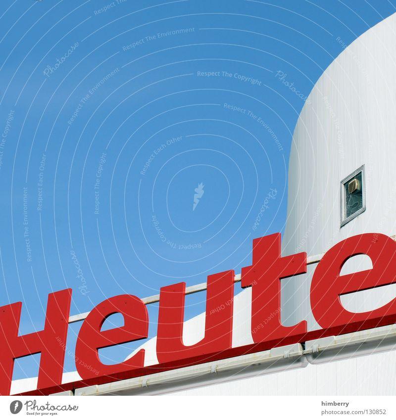 bin ich wirklich weg weiß Haus Fenster Gebäude Graffiti Architektur Beton Industrie modern Aussicht Schriftzeichen Information Buchstaben Gegenwart aktuell