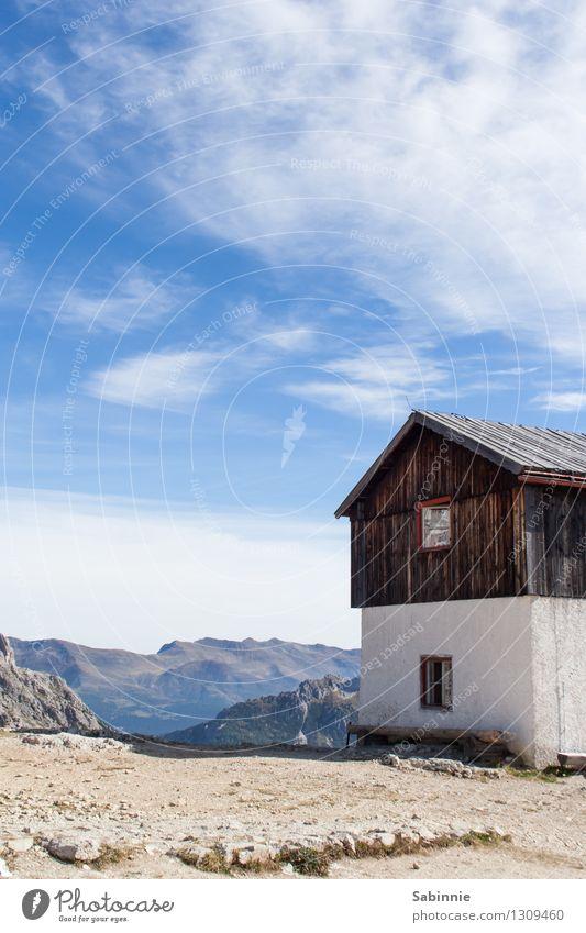 Alpenausguck Himmel Natur alt blau schön Sonne Einsamkeit Wolken Haus Berge u. Gebirge Umwelt natürlich Gebäude Glück braun einzigartig