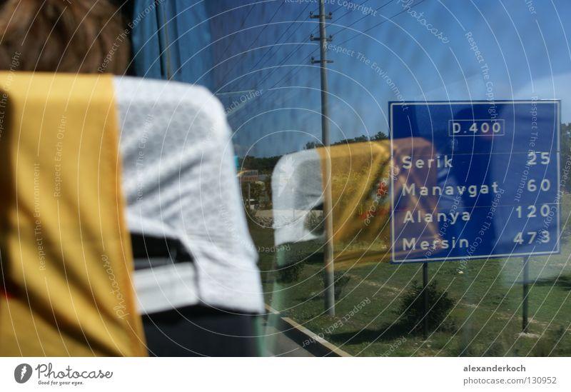 On the way Ferien & Urlaub & Reisen Fenster Langeweile Bus Sitzgelegenheit Sessel Türkei Fensterblick Busfahren Fensterplatz