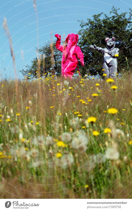 catch me if Kunst Kunstwerk ästhetisch Elefant Maus Kostüm Jagd fangen Spielen Freude rosa grau Wiese kindisch seltsam laufen Außenaufnahme spaßig Spaßvogel