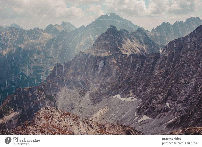 Berglandschaft in Tatras Natur Sommer Landschaft Wolken Berge u. Gebirge Felsen Gipfel Höhe Berghang breit