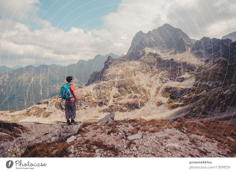 Wanderung in der Tatra Lifestyle Ferien & Urlaub & Reisen Ausflug Abenteuer Ferne Freiheit Sommer Sommerurlaub Berge u. Gebirge wandern Junger Mann Jugendliche