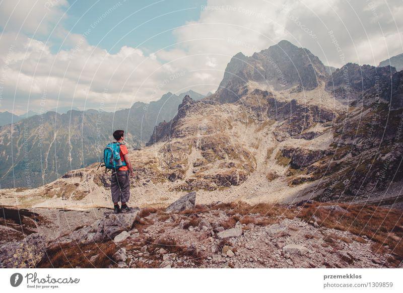 Wanderung in der Tatra Mensch Natur Ferien & Urlaub & Reisen Jugendliche Sommer Junger Mann Freude Ferne Berge u. Gebirge Freiheit Lifestyle Felsen wandern