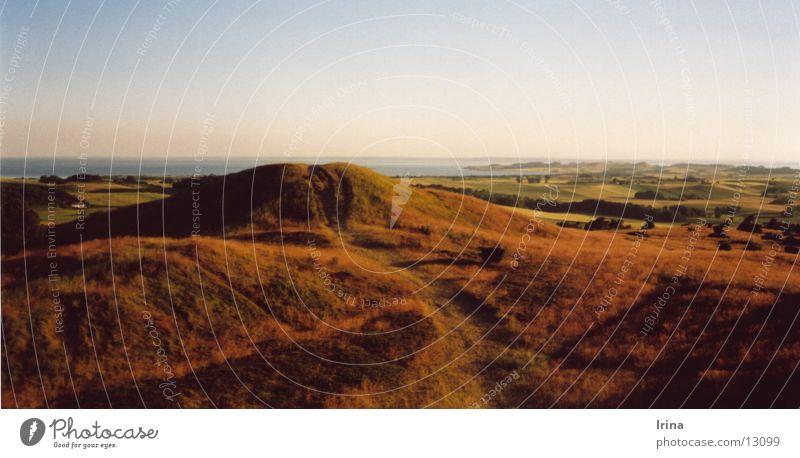 Denmark ruhig Ferien & Urlaub & Reisen Ausflug Ferne Berge u. Gebirge Natur Landschaft Hügel Meer Küste Fernweh Aussicht Abenddämmerung Farbfoto Außenaufnahme
