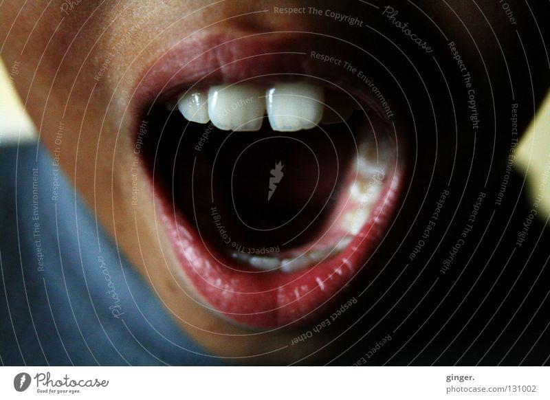 AAAH, hörst du denn mein Rufen nicht? Kind weiß Gesicht dunkel sprechen oben hell Mund offen Zähne Lippen schreien singen Anschnitt Schneidezahn