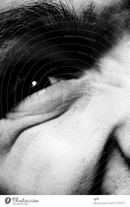 fuck daylight! Mensch weiß schwarz Auge Erholung dunkel Haare & Frisuren Stimmung Linie Feste & Feiern Zufriedenheit Beleuchtung Ecke Falte Wut Konzentration