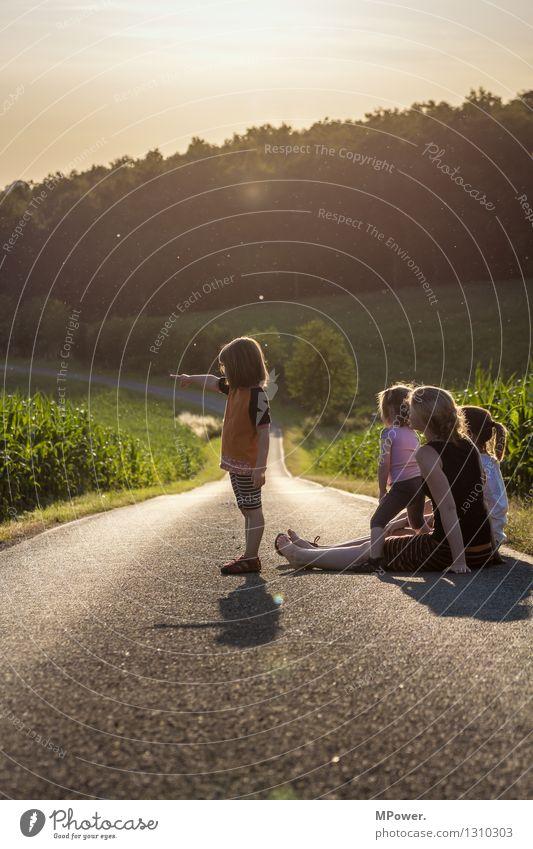 gute aussichten Mensch Ferien & Urlaub & Reisen Sonne Landschaft Wolken Freude Mädchen Ferne Erwachsene Umwelt Leben Glück Familie & Verwandtschaft Freiheit