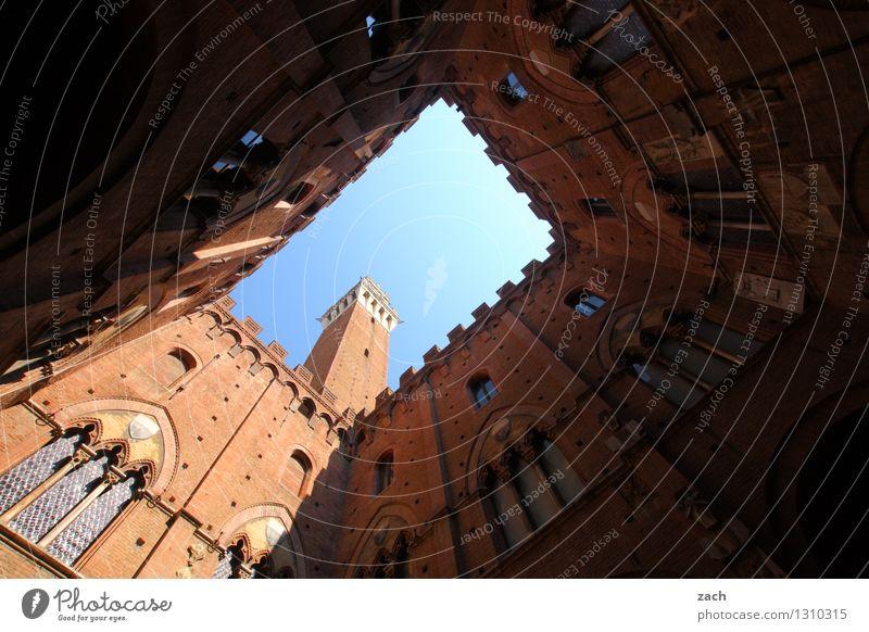 Innereien Städtereise Himmel Schönes Wetter Siena Italien Toskana Stadt Stadtzentrum Altstadt Haus Religion & Glaube Kirche Palast Marktplatz Turm Bauwerk