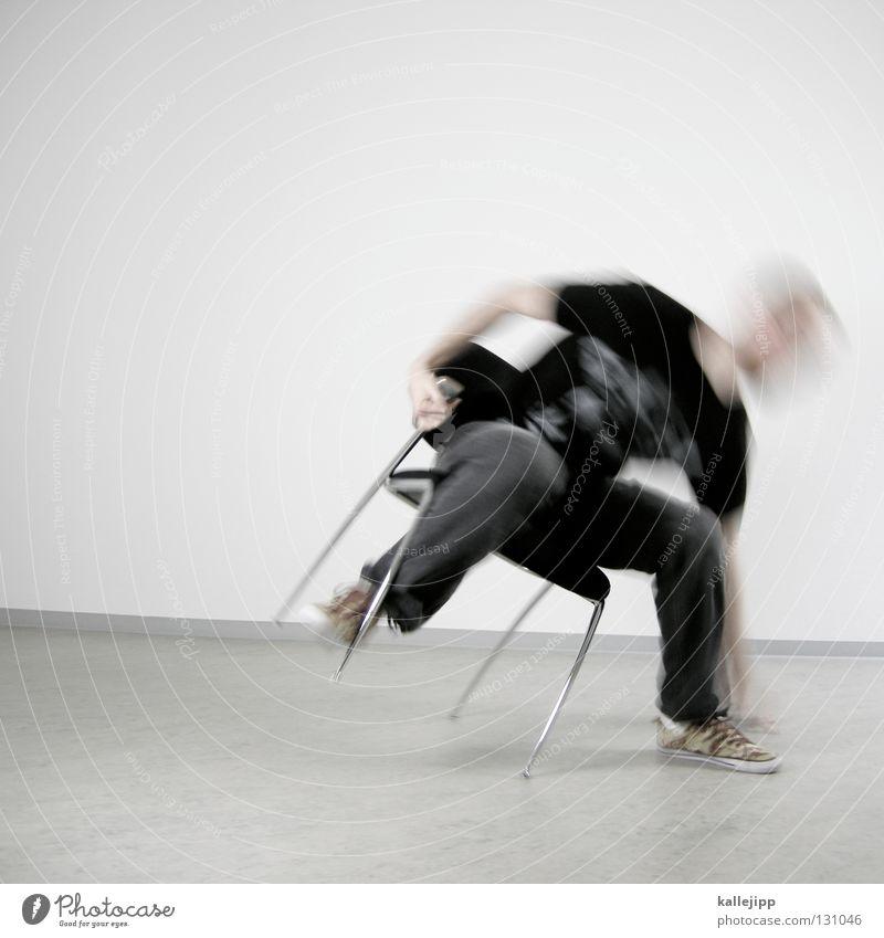 dismissed Mensch Mann weiß Wand Haare & Frisuren Lampe Beleuchtung Arbeit & Erwerbstätigkeit Raum außergewöhnlich sitzen warten Elektrizität Kabel Show T-Shirt