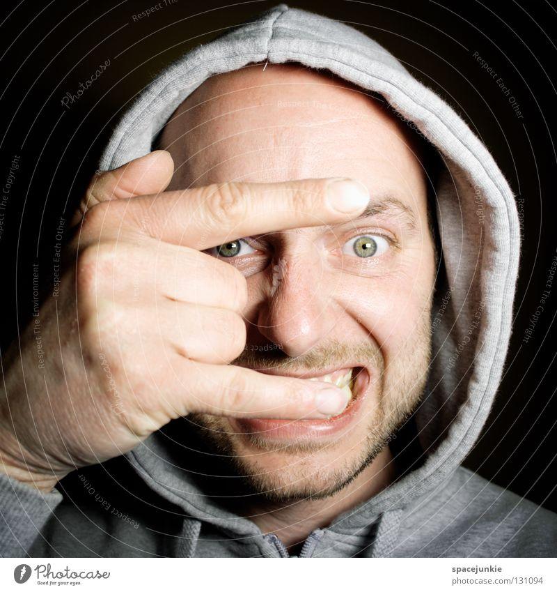 Quatsch mit Soße Porträt Mann Freak Hand groß skurril verrückt Humor Pullover ernst Versteck Freude Blick lustig Auge Kapuze verstecken bizarr