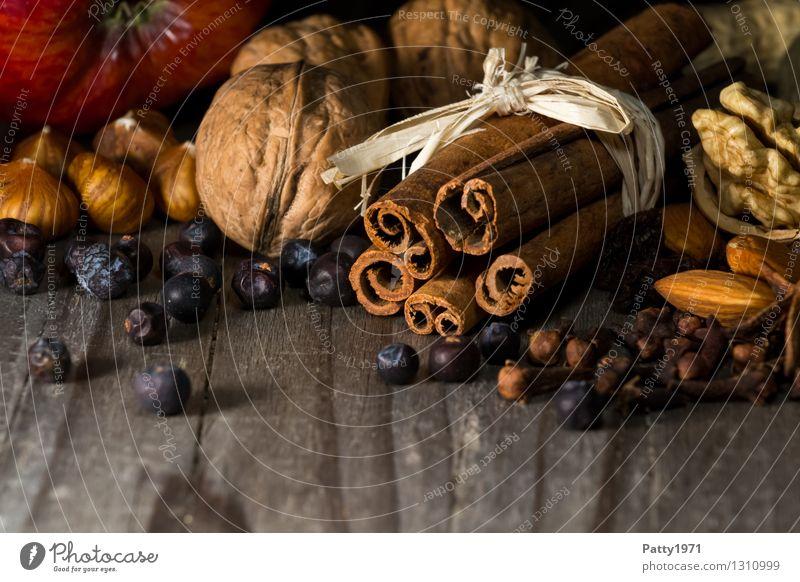 Weihnachtsgewürze Kräuter & Gewürze Walnuss Zimt Haselnuss Sternanis Mandel Apfel Weihnachten & Advent Vorfreude Duft genießen Würzig lecker Stillleben Farbfoto