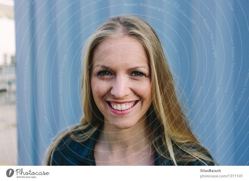 Big Smile junge blonde Frau Mensch Jugendliche schön Junge Frau Freude 18-30 Jahre Gesicht Erwachsene feminin Gesundheit Glück Lifestyle Haare & Frisuren Kopf