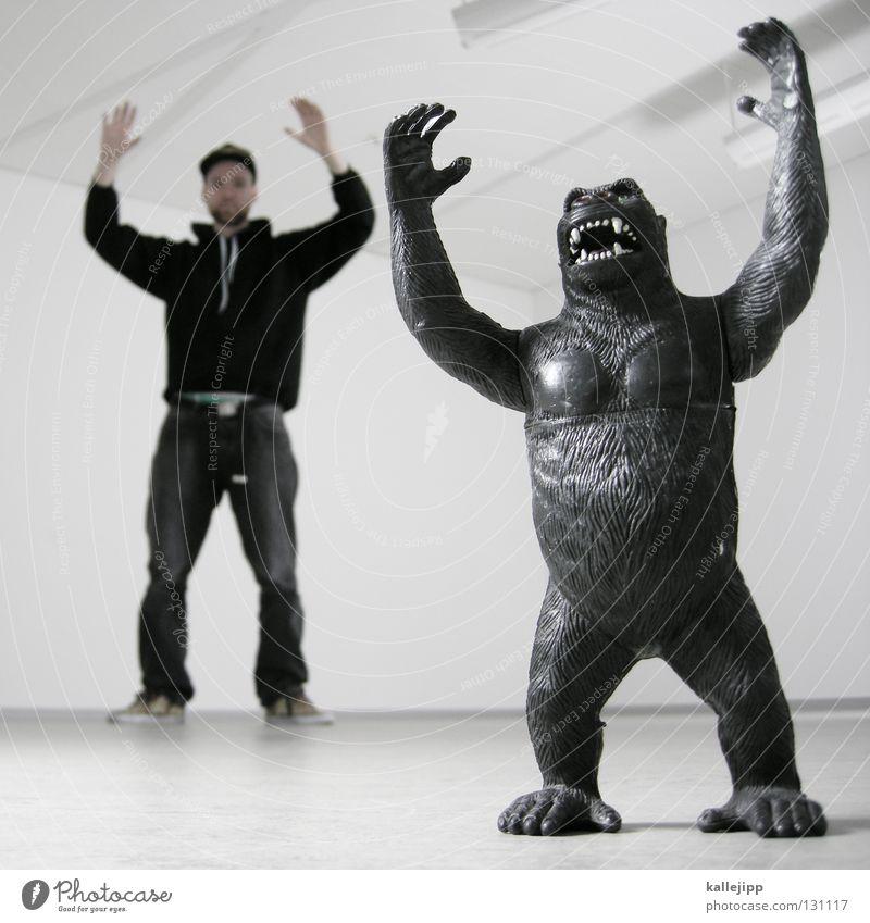 personal trainer Duell Western Affen King Kong Gesäß Mensch Fell Cowboy schießen Tanzfläche Spielzeug Menschenaffen Gorilla stark Erfolg Banane Hände hoch