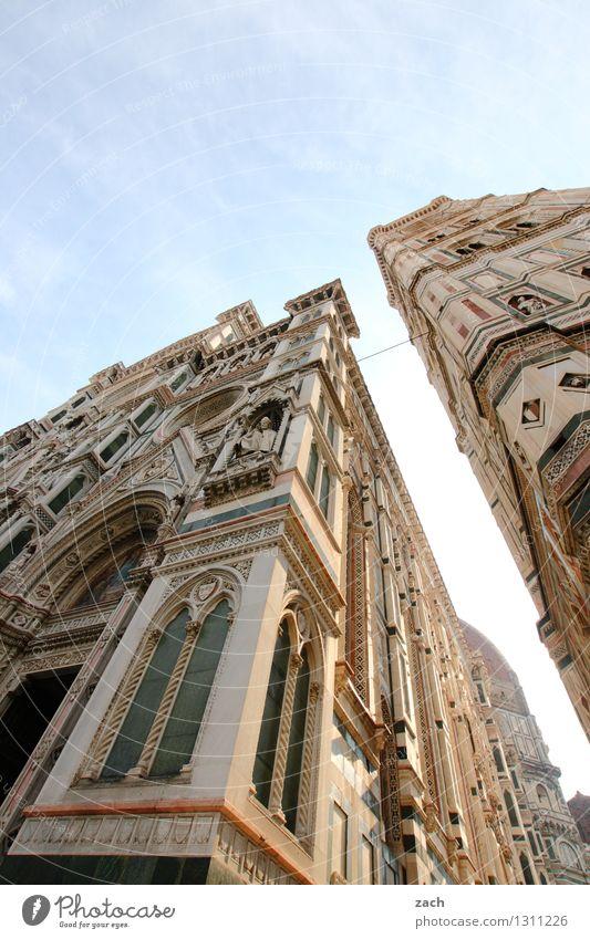 DomMinanz Städtereise Sommer Sonne Himmel Wolkenloser Himmel Florenz Italien Toskana Stadt Stadtzentrum Altstadt Kirche Palast Turm Bauwerk Gebäude Fassade