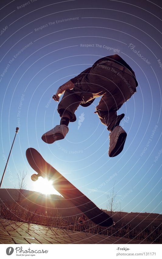Above the sun Sonne springen Skateboarding Rad Funsport