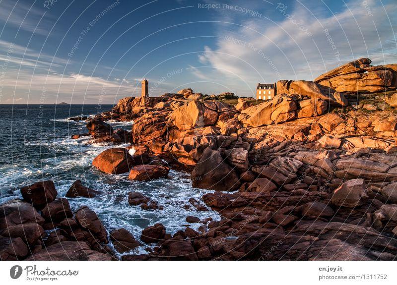 Küstenwache Himmel Natur Ferien & Urlaub & Reisen Sommer Meer Landschaft Wolken Haus Felsen Horizont orange Tourismus Idylle Klima Schönes Wetter