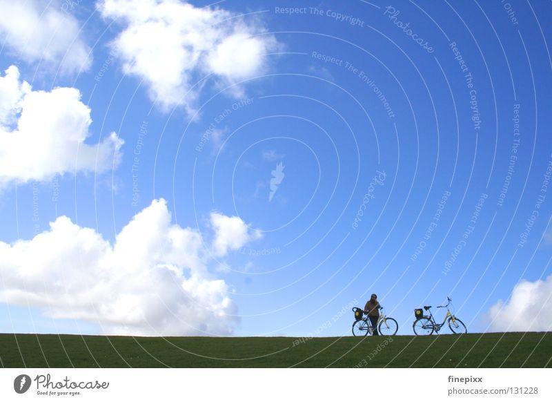 Himmlischer Radweg Langeoog Hochwasser Sturm Ebbe Deich Küste Physik grün Gras Wiese Alm Fahrrad Ferien & Urlaub & Reisen Wolken weiß Watte Wolle