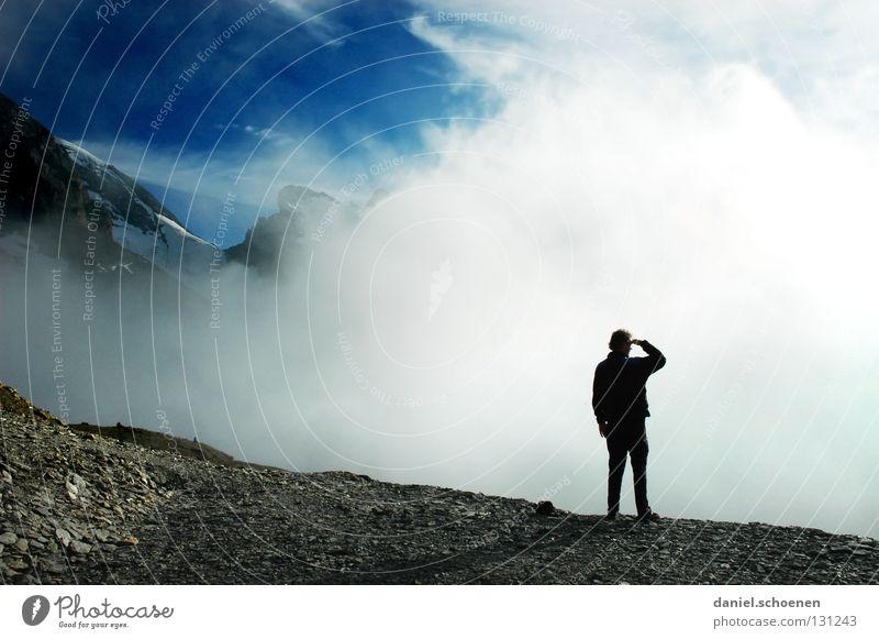 wie wird das Wetter morgen ? (Teil2) Wolken Gipfel aufsteigen dramatisch schwarz weiß Schweiz Berner Oberland wandern Licht Gegenlicht Bergsteigen gefährlich