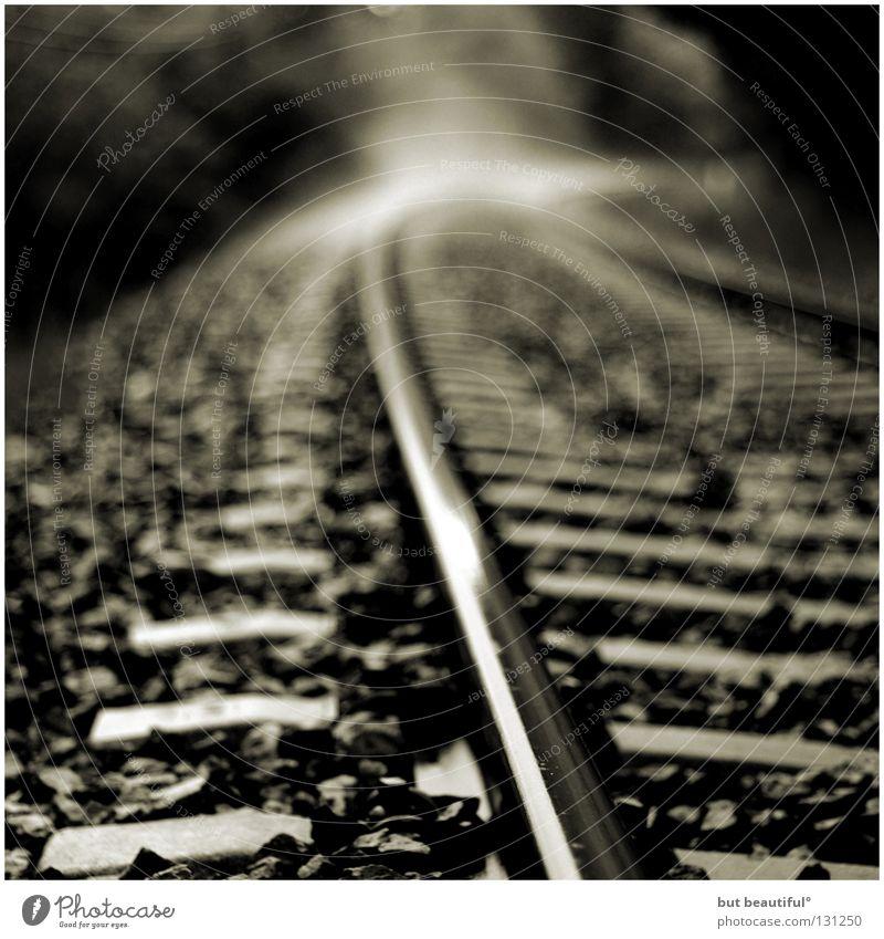 neblige gleise° Nebel Gleise Eisenbahn Spanien Regen Europa Schwarzweißfoto Bahnhof Schwarzweis Wasserdampf Ferien & Urlaub & Reisen
