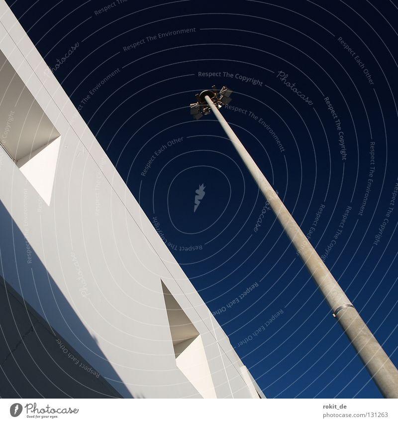 Abflug weiß blau Ferien & Urlaub & Reisen schwarz Lampe Fenster Beleuchtung warten Flugzeug Europa Luftverkehr Insel Baustelle Unendlichkeit Flughafen Abschied
