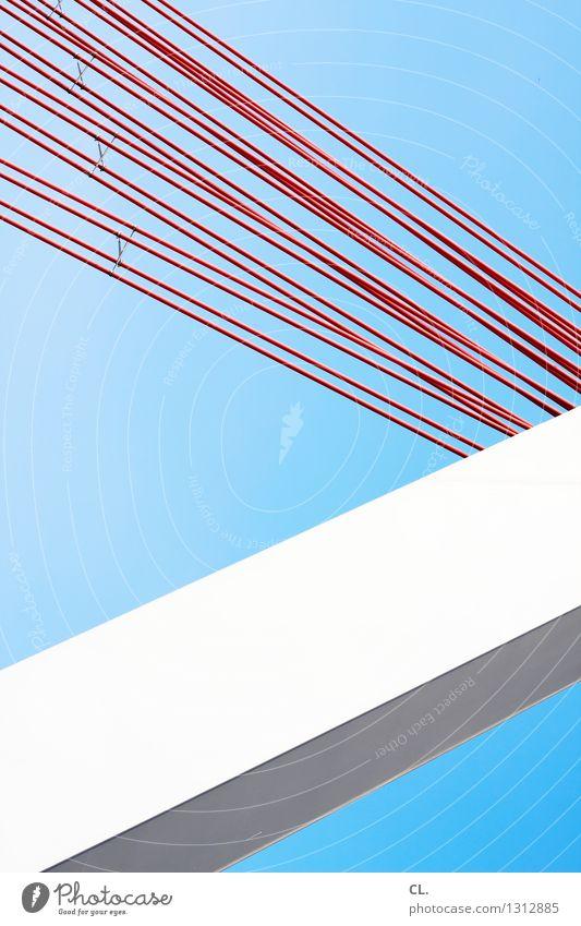 die gerade linie ist gottlos blau weiß rot Architektur Linie ästhetisch Brücke Bauwerk Wolkenloser Himmel eckig Präzision