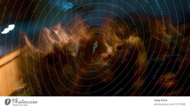 Party II Nachtleben Mensch Geister u. Gespenster Unschärfe verschoben Extase Konzert Bühne Aula Freundschaft Licht dunkel Freude Club Musik Feste & Feiern Leben