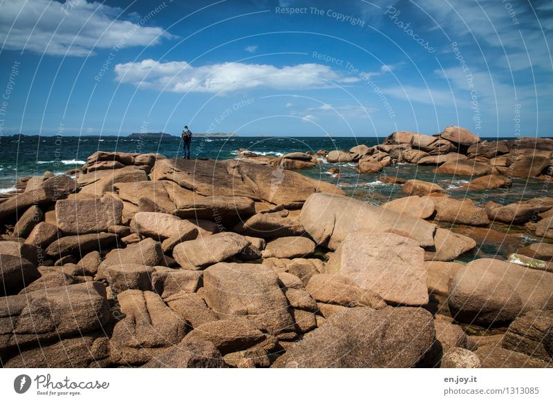 Felsenmeer Mensch Himmel Natur Ferien & Urlaub & Reisen Mann Sommer Meer Landschaft Wolken Ferne Erwachsene Küste Horizont maskulin träumen